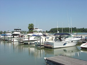 sp EAST HARBOR MARINA