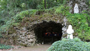 sorrowful-mother-shrine-Our_Lady_of_Lourdes_Grotto