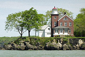 lighthouse-south-bass-island-lake-erie