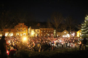 Christmas Candlelighting at Roscoe Village